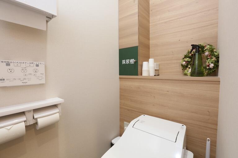 トイレ・採尿棚